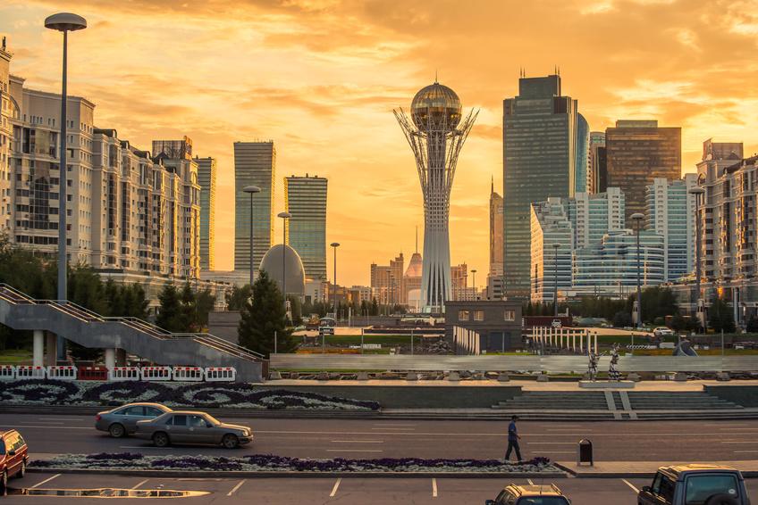 PLL LOT: tańsze, bezpośrednie loty do Kazachstanu