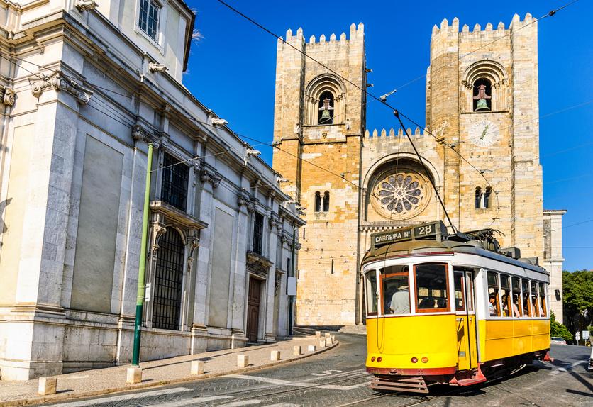 Fajna okazja! Lizbona z Polski – linią tradycyjną!