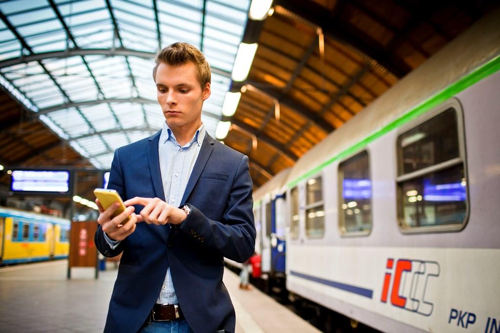 Co 3 pasażer PKP Intercity kupuje bilety online