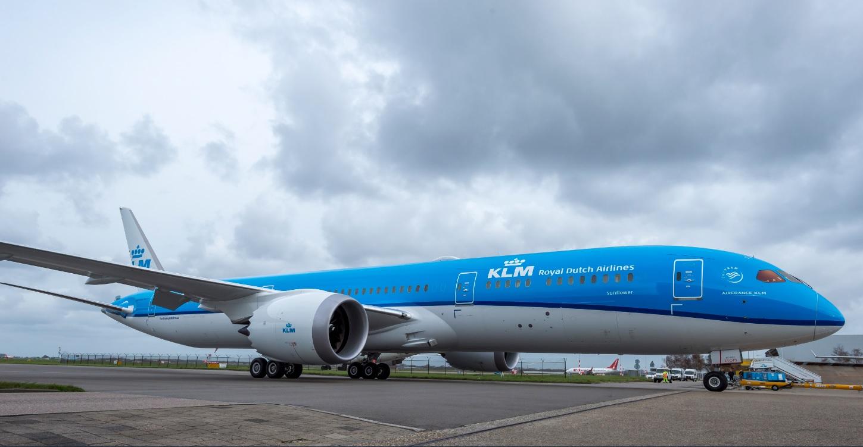 KLM-samolot-official-Boeing-787-Dreamliner
