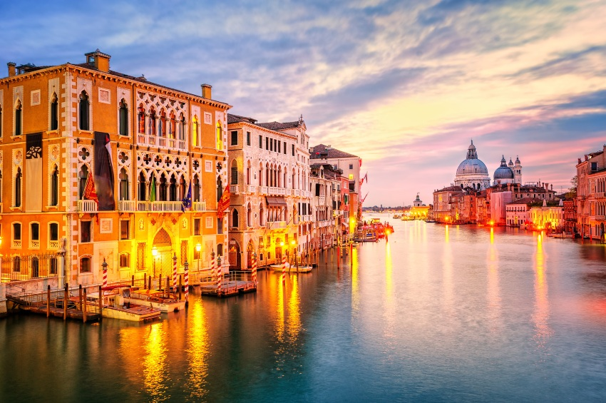 Wenecja The Grand Canal and basilica Santa Maria della Salute on sunrise, Venice, Italy