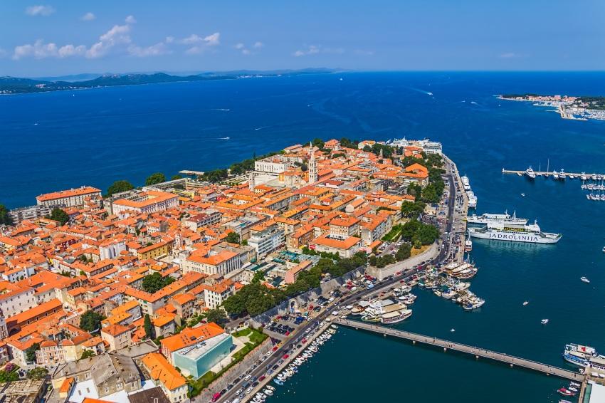 Dokąd na plażę? Chorwacki Zadar z największym wzrostem wyszukiwań na lato 2019