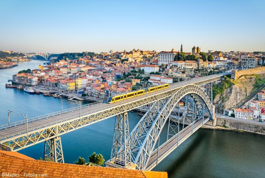 Loty z gwarantowanymi przesiadkami. Porto z Polski