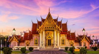 Bangkok Tajlandia, Thailand. The Marble Temple, Wat Benchamabopit Dusitvanaram at sunset.