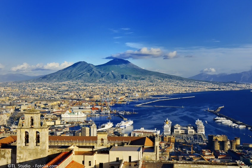 Neapol Włochy Wlochy Naples and Vesuvius panoramic view, Napoli, Italy