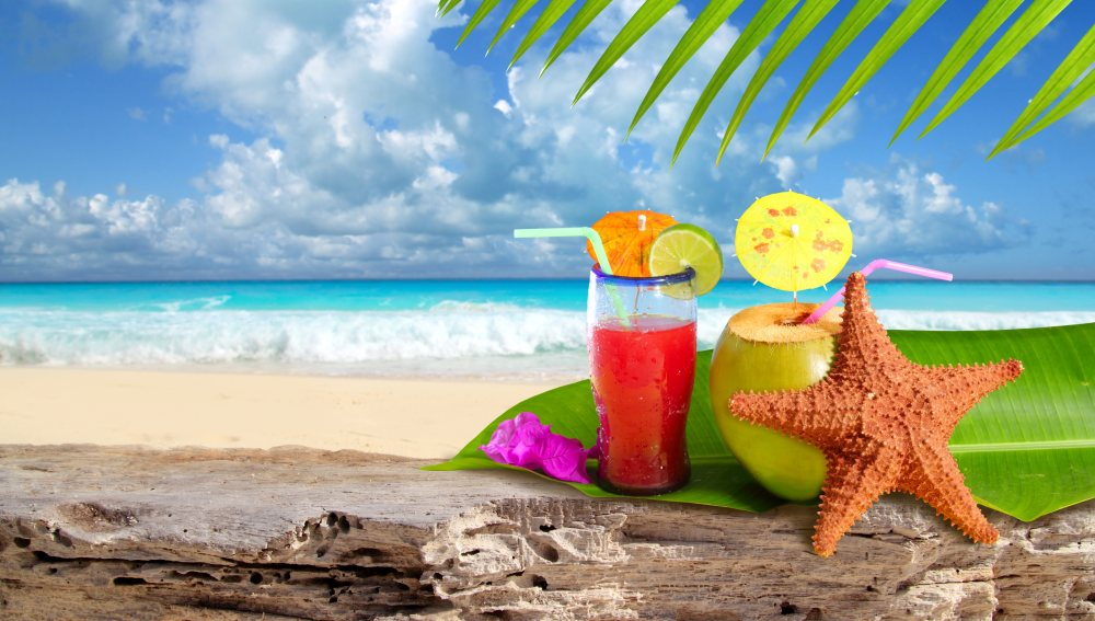 Dominikana-Karaiby-plaza-drink-Depositphotos_5124702_original-1000x567px