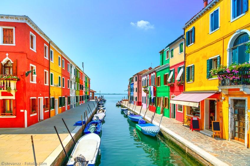 Wenecja-Burano-wyspa-Fotolia_102176470_S_social