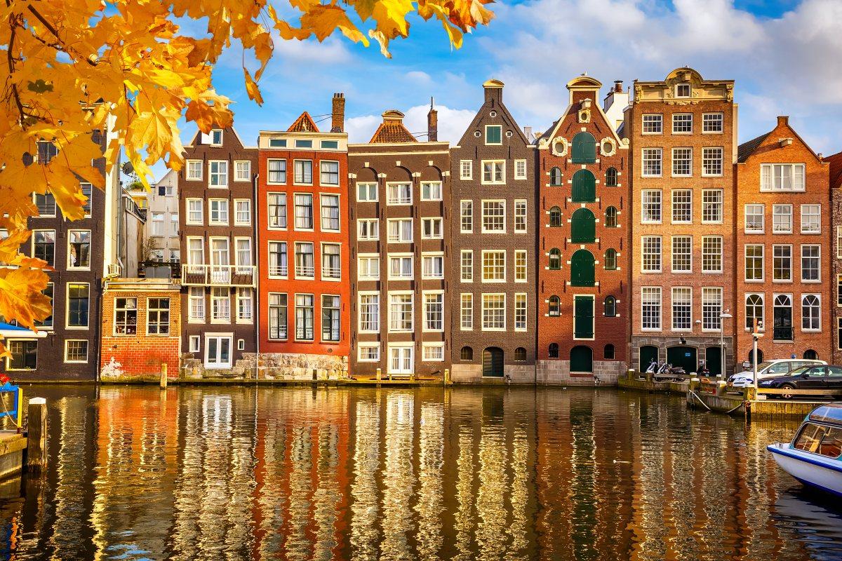 Więcej lotów z Krakowa do Amsterdamu – dobry news!