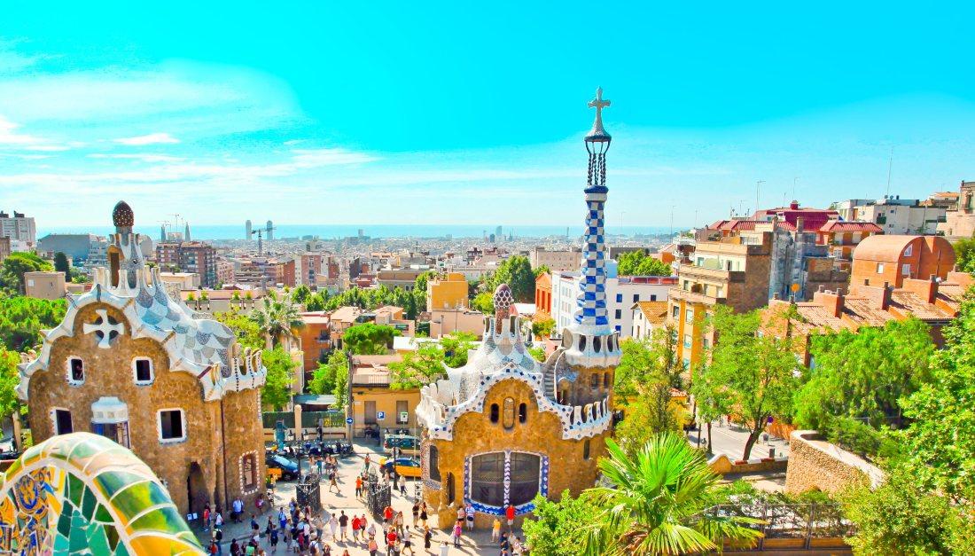 Maroko, Gruzja, Barcelona i dużo innych. Mikołajkowa wyprzedaż Wizz Air. Najciekawsze okazje!