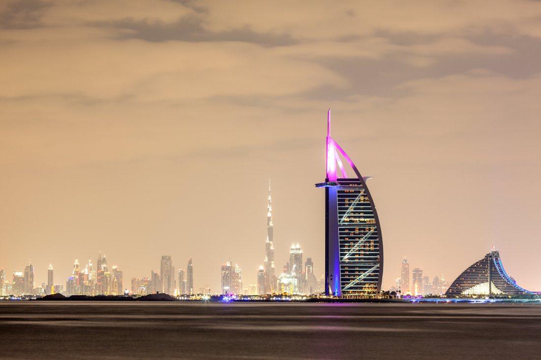 Wyprzedaż Wizz Air – okazja na tańsze loty do Dubaju