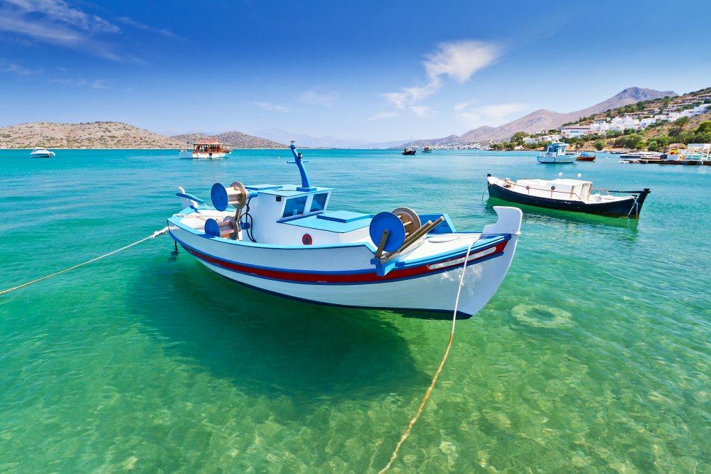 Kreta-lodzie-woda-Depositphotos_13549993_original-1000x667px