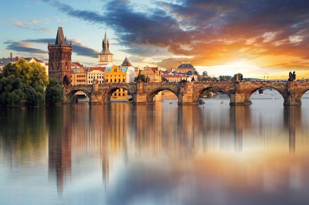 Czeskie granice już otwarte! Mamy dla Was tanie loty do Pragi.