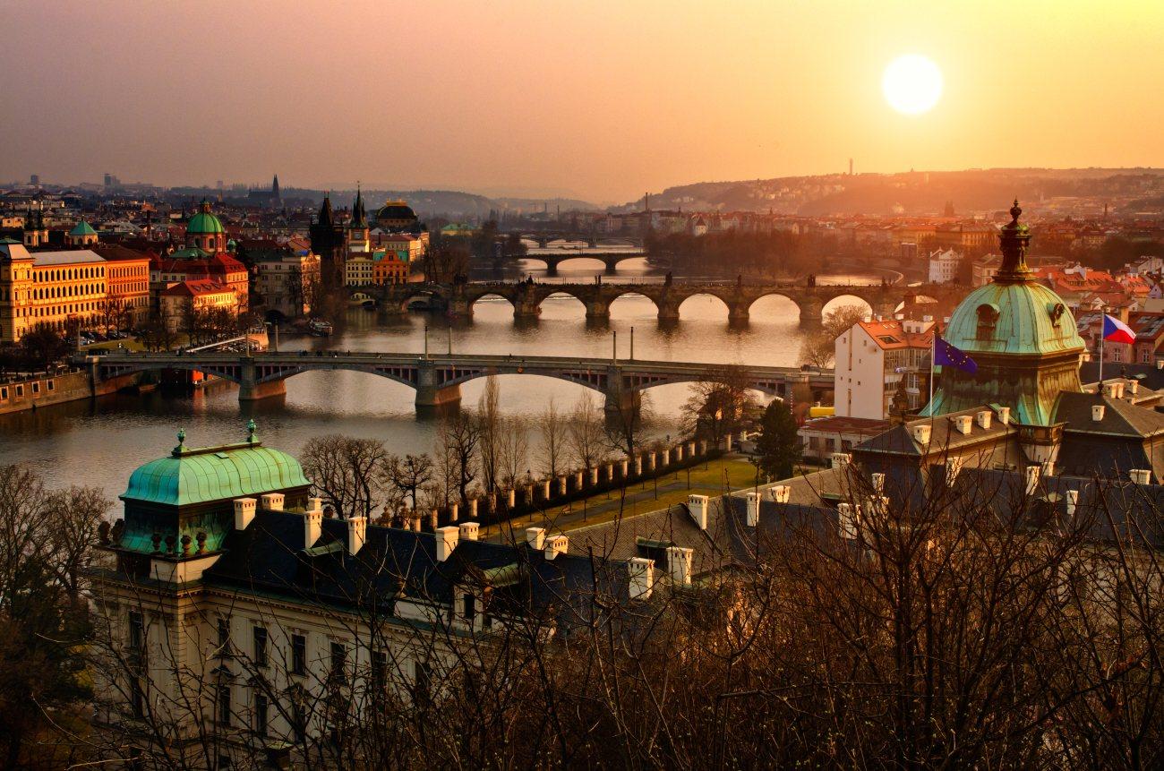 Czeska Praga! Bezpośrednie loty PLL LOT z Warszawy