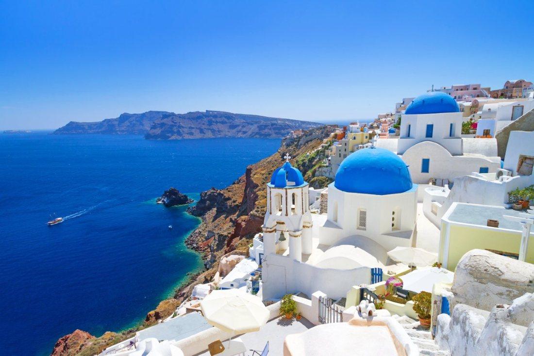 Takie widoki! Piękne Santorini z Polski (na jednym bilecie)