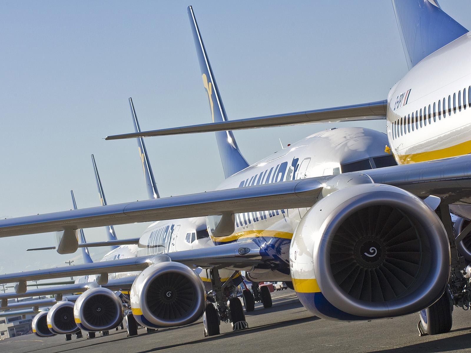 Ryanair przyspiesza proces zwrotów pieniędzy. 90% zostanie oddanych w tym miesiącu!