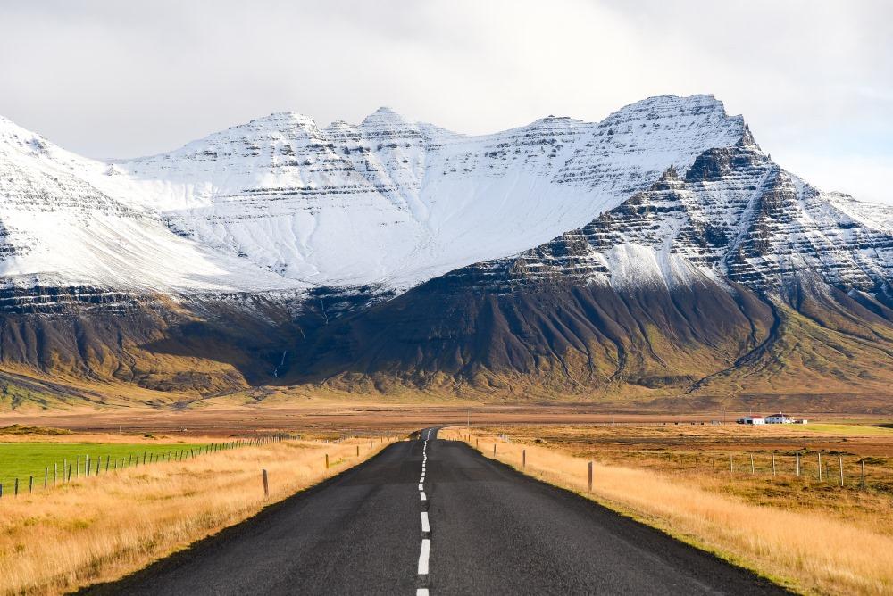 islandia Islandia-droga-pola-Depositphotos_92322394_original-1000x668px