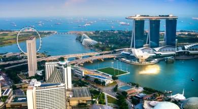 singapur Fish-eye view of Singapore city skyline at sunset.