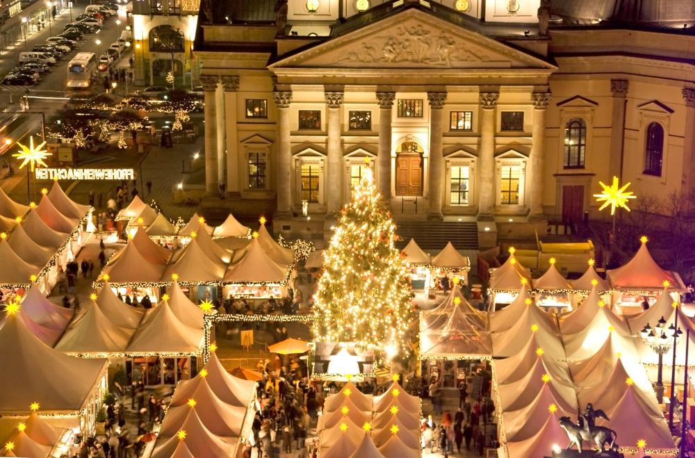 PolskiBus: wybierz się na zagraniczne świąteczne jarmarki (2 bilety w cenie 1)
