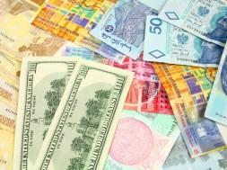 waluta-kilka-razem-kolaz-Depositphotos_4450356_original-1000x667px