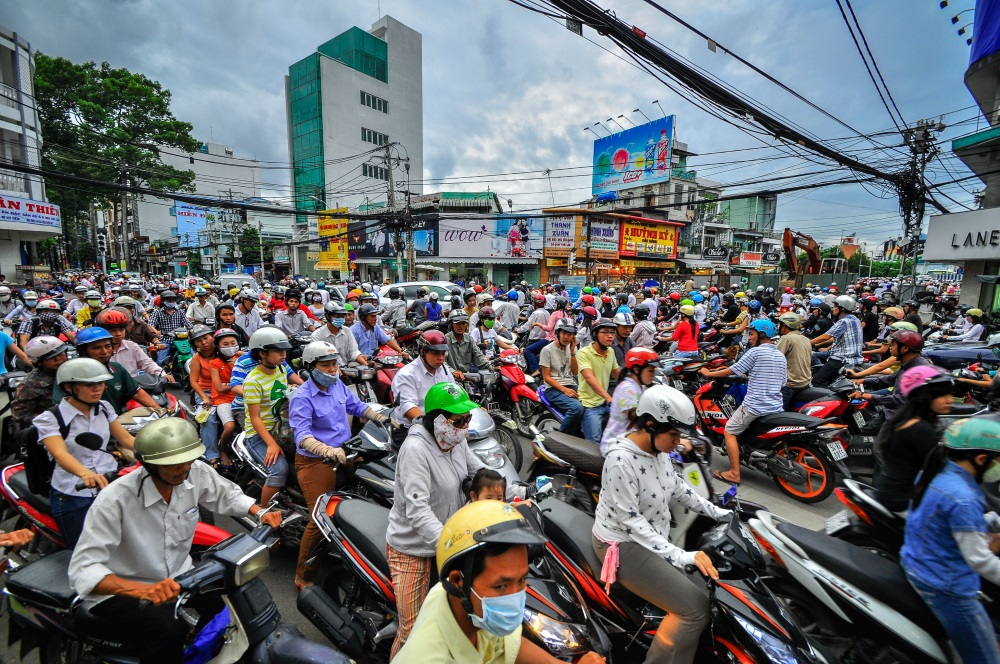 wietnam wietnam-sajgon-motorki-duzo-Depositphotos_41954437_original-1000x664px
