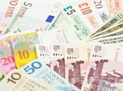 pieniadze-kilka-roznych-banknoty-Depositphotos_18423771_original-1000x667