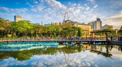 filipiny filipiny Pond at Rizal Park, in Ermita, Manila, The Philippines.