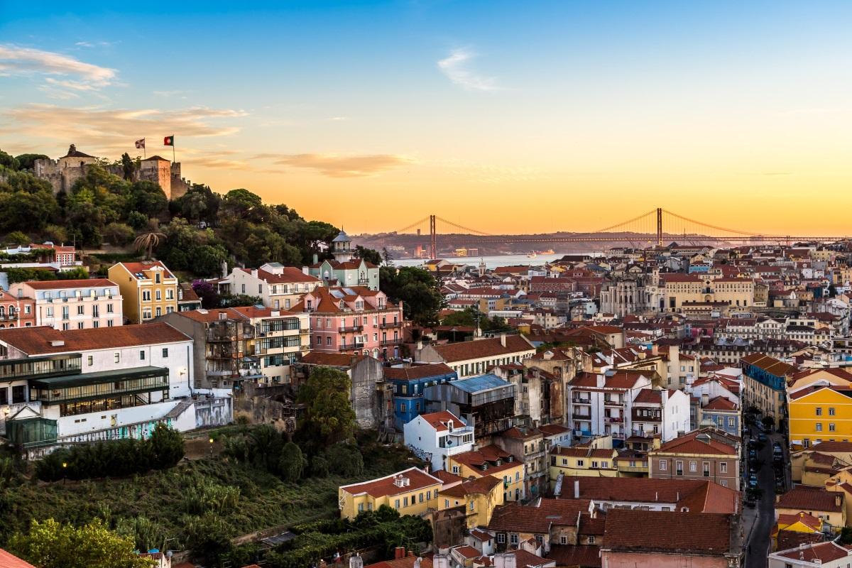 Lizbona z Polski w dobrej cenie. Promocja (dużo terminów)