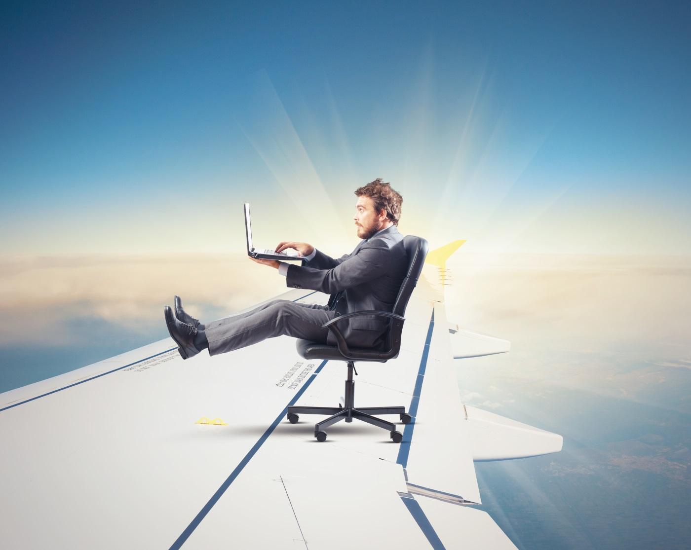KLM zaoferuje internet na lotach europejskich (także darmową wersję!)