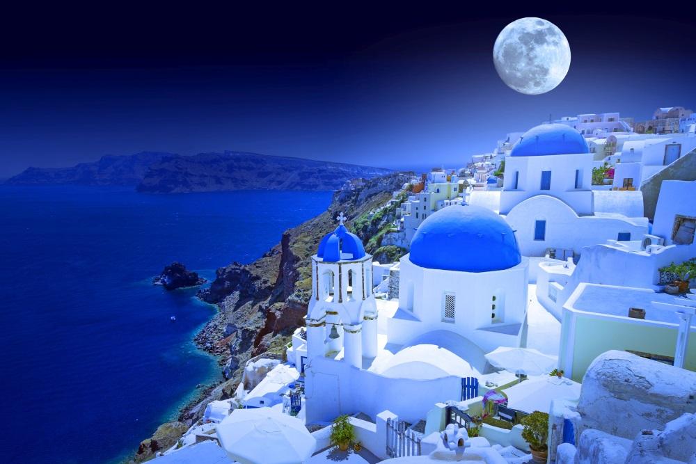 Piękne Santorini z Polski – loty na jednej rezerwacji
