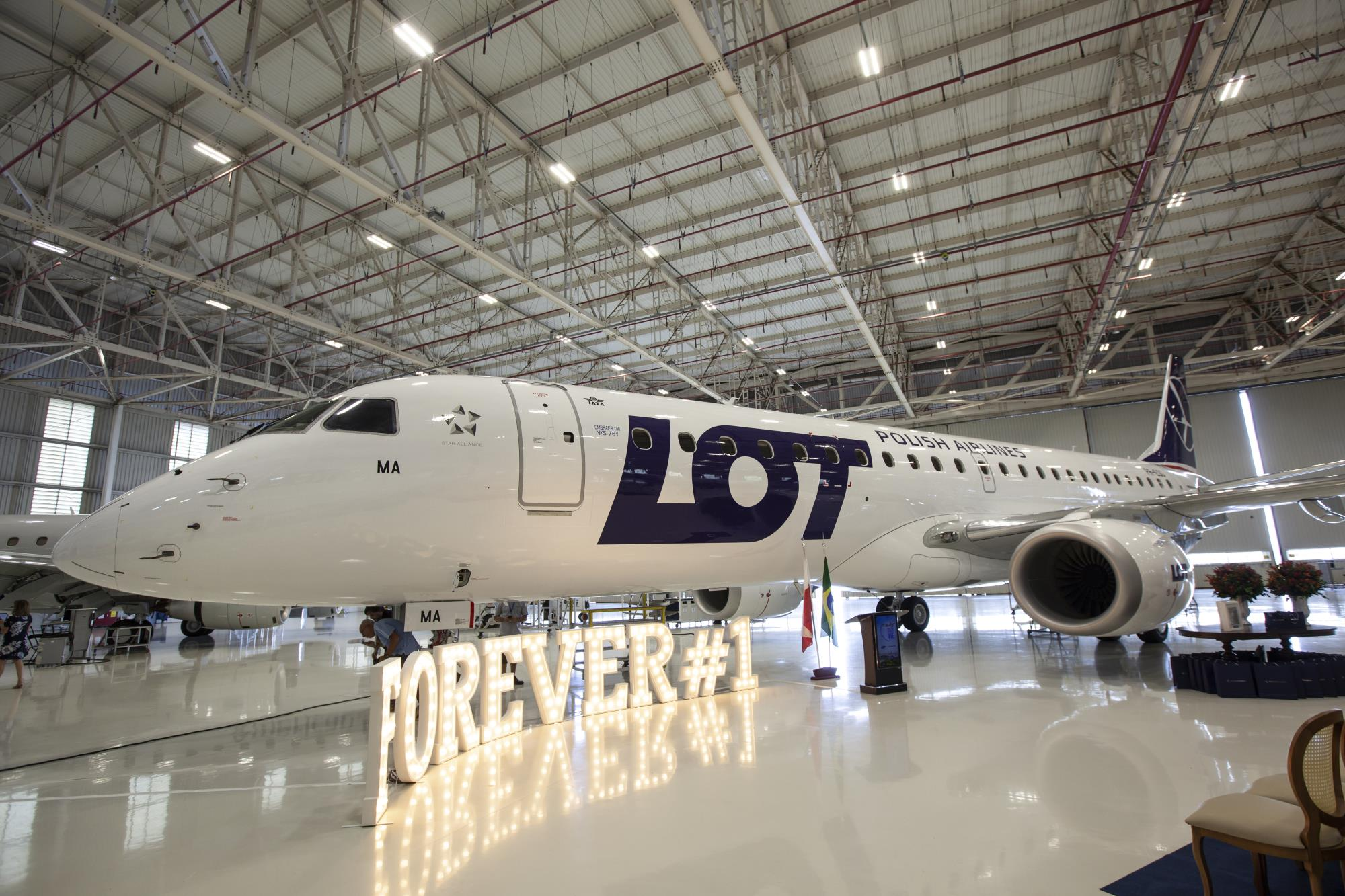 Nowe samoloty PLL LOT już w Polsce. Z pasażerami polecą już od 1 stycznia!