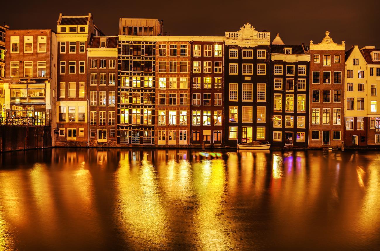 Amsterdam wprowadza nowy – kolejny – podatek turystyczny!
