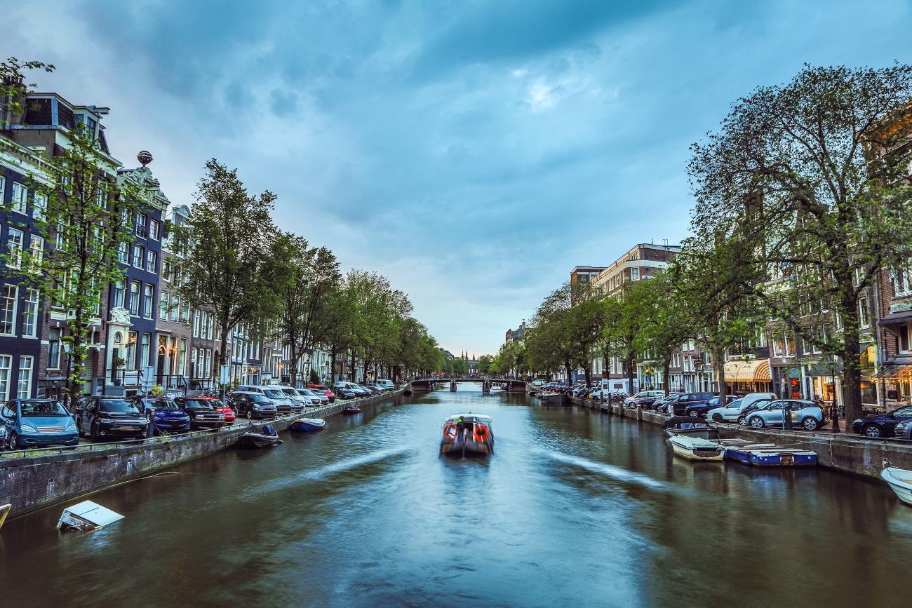 Amsterdam bezpośrednio z Polski. Okazja lotów PLL LOT