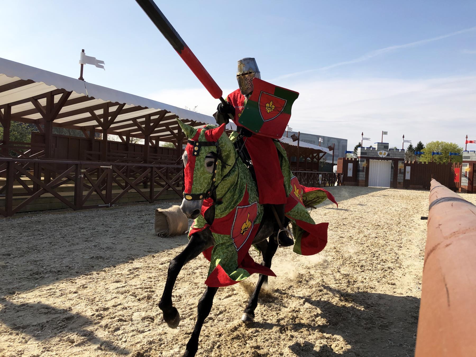 Spektakularne pojedynki rycerskie i nocleg w zamku – nowość w LEGOLAND Billund