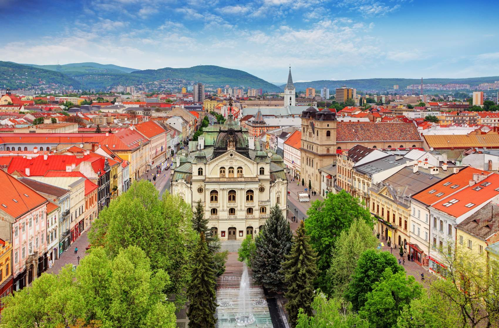 Słowacja: wybierasz się do tego kraju? Przeczytaj aktualne zasady wjazdu i tranzytu!