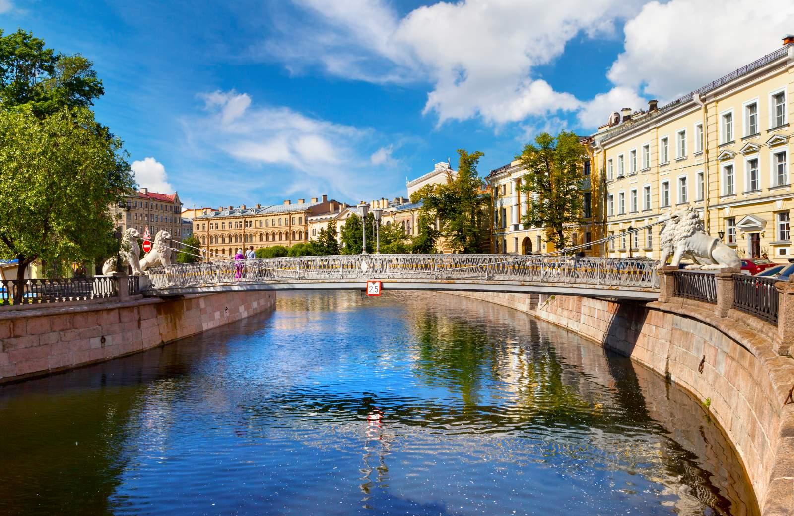 Piękny St. Petersburg z Polski. Loty z gwarantowanymi przesiadkami