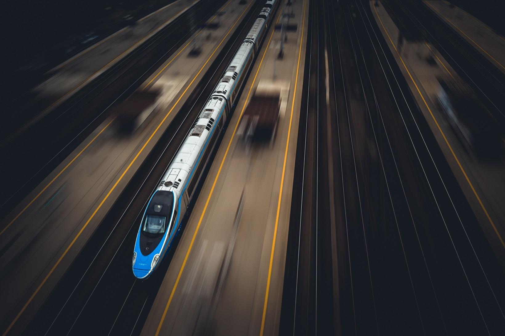 Wakacyjne podróże z PKP Intercity: kilka informacji o tegorocznym sezonie