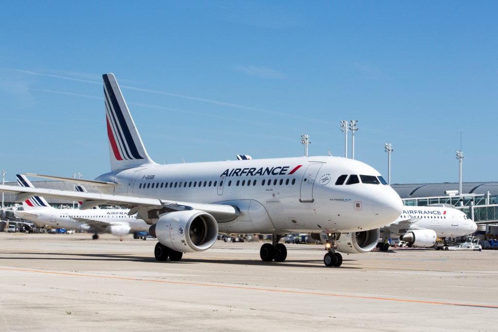 Air France testuje aplikację IATA Travel Pass
