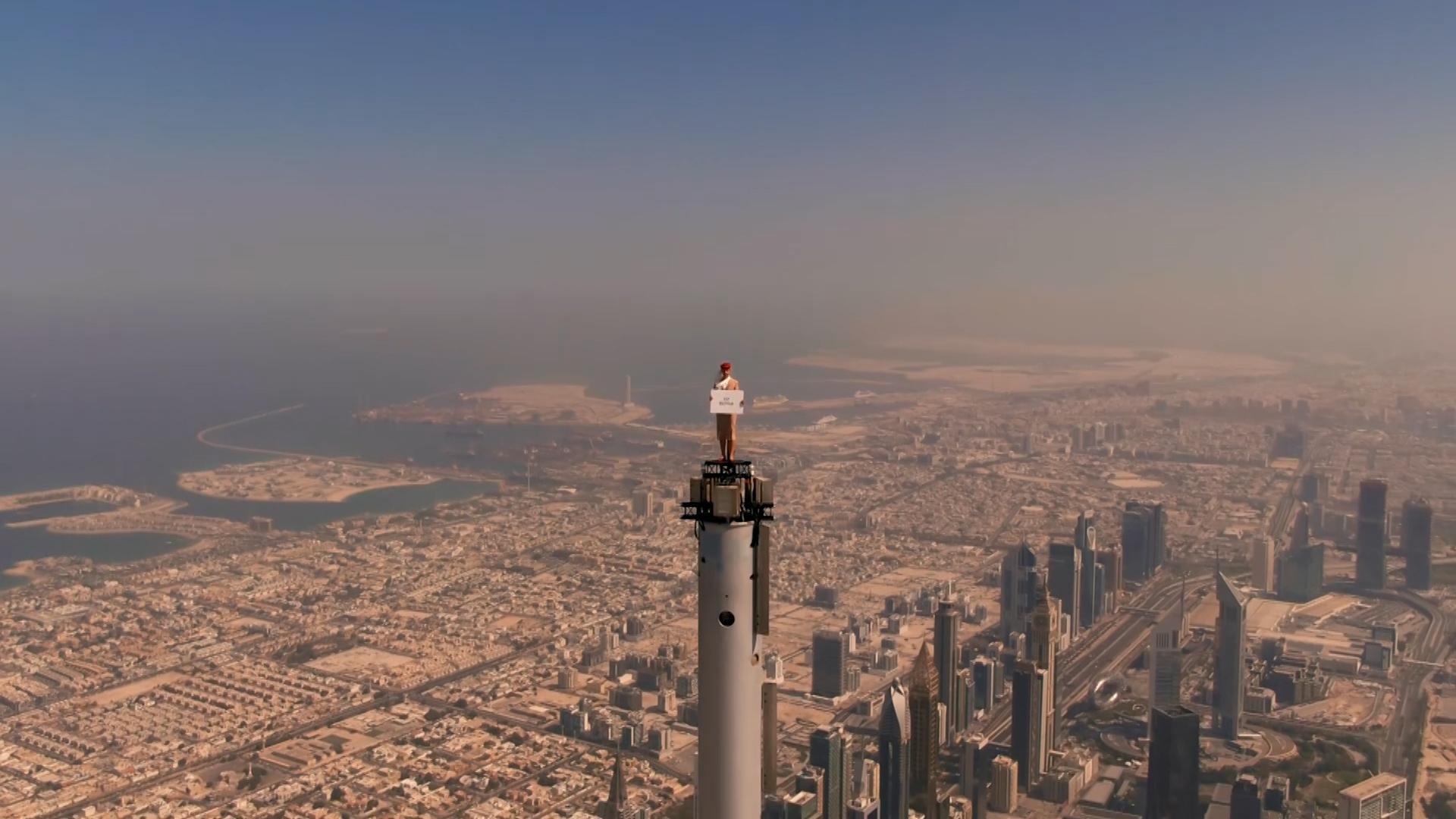 Emirates nagrał reklamę na wysokości… 828 metrów